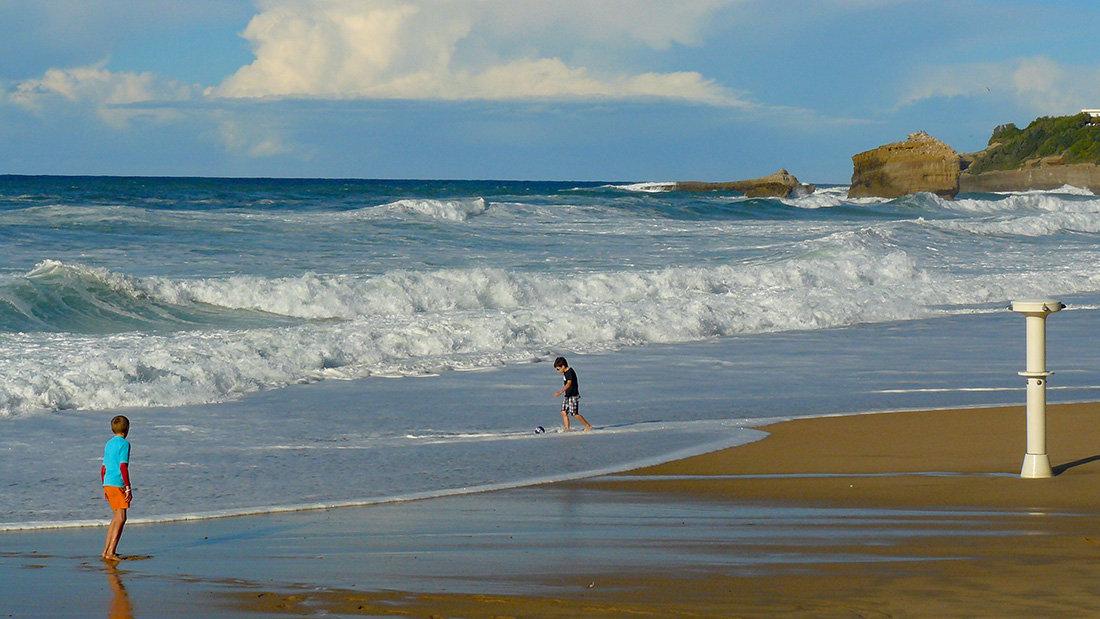 Biarritz - La Grande Plage en octobre 200204063136493550