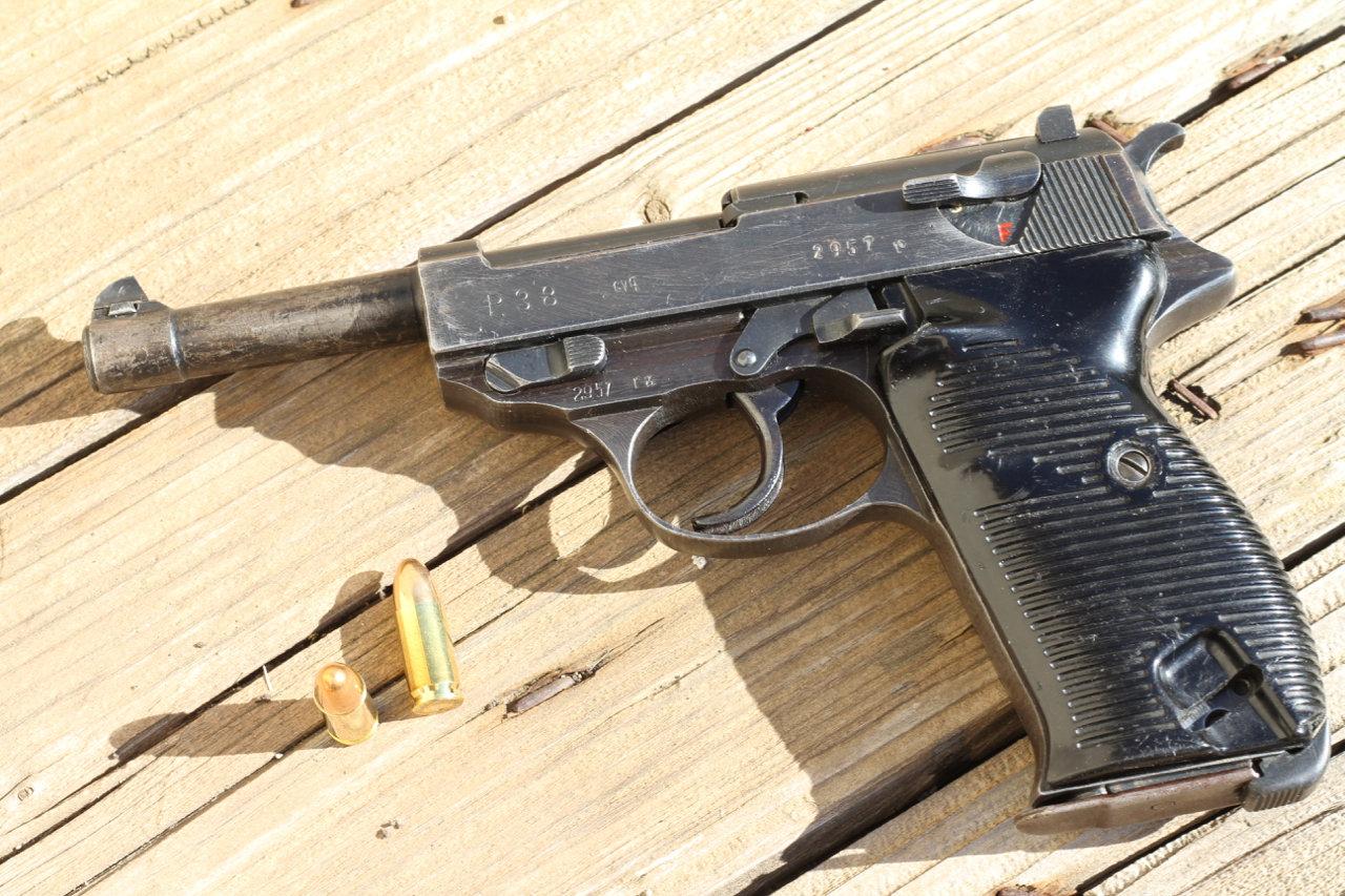 Ma 1ère arme de poing - Mon P38 200307024322192945