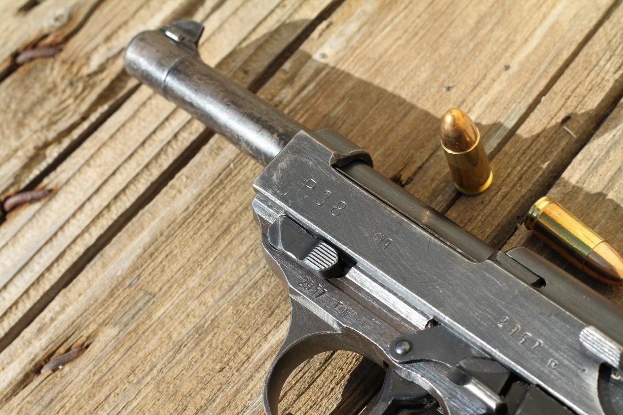 Ma 1ère arme de poing - Mon P38 200307024325278626