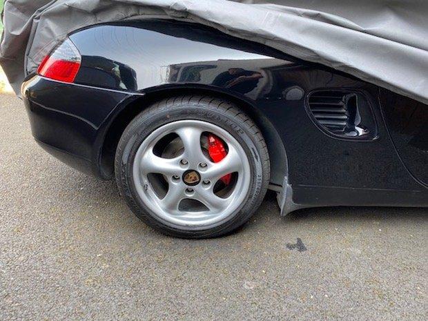Changement Capuchon de roue Boxster 986 200328040649913071