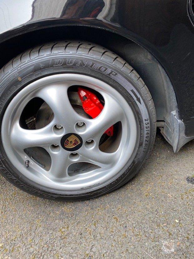 Changement Capuchon de roue Boxster 986 200328040652354070
