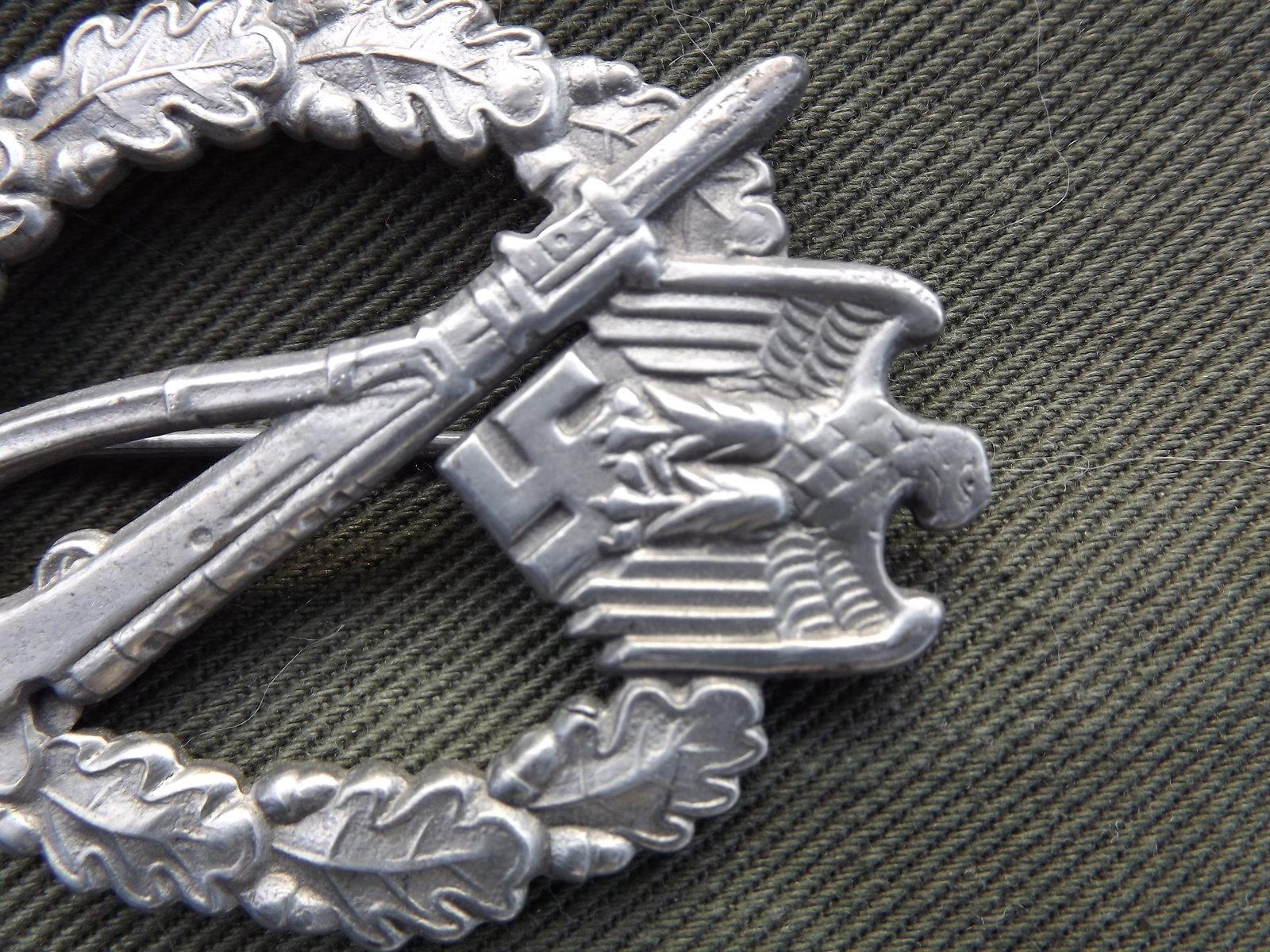 Badge Infanterie JFS 200409094840245212