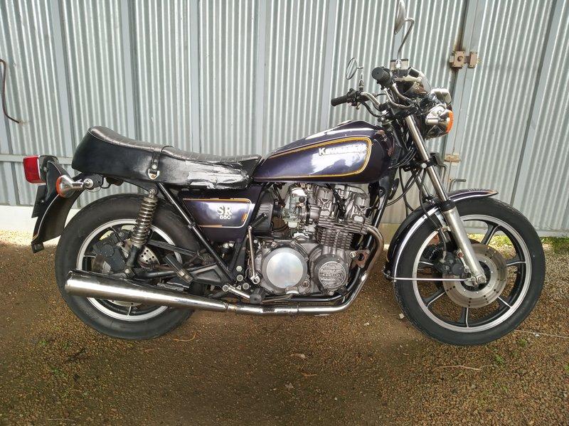 1 moto d'origine