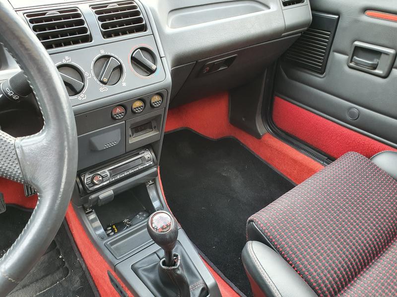 [59] 205 GTI 1L9 - 122cv - AM 90- Gris Graphite. 200418105943778354