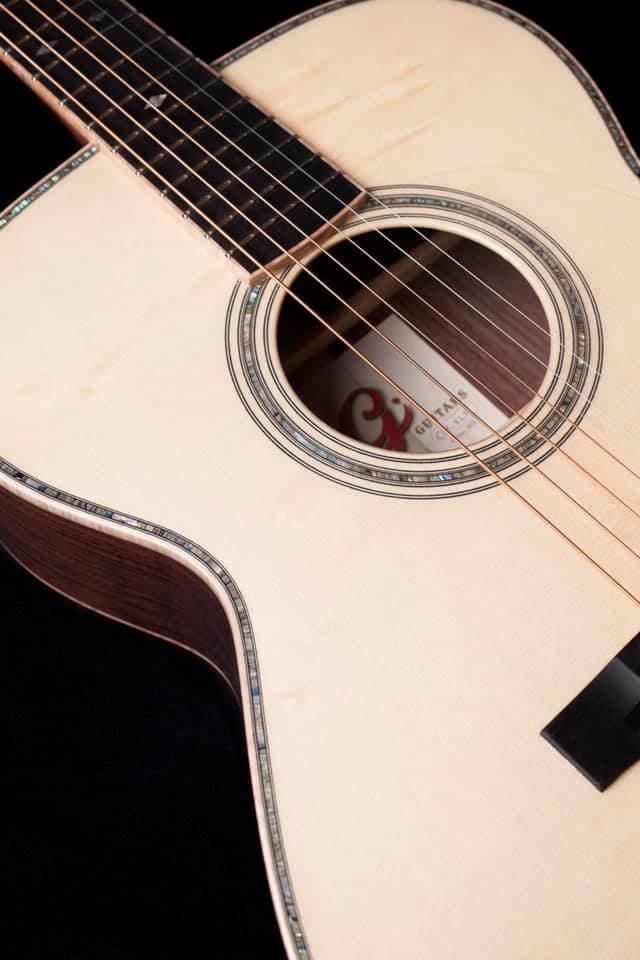 Graziani Guitars - à découvrir ! 20050506321666021