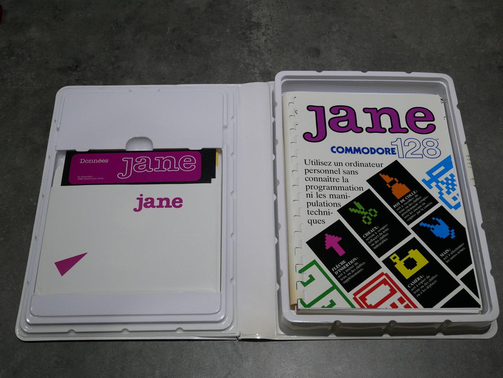 [VDS] C64/128 : divers accessoires (livre, logiciel, cartouches) 200512055459615775