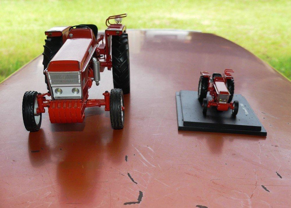 Renault 56 : le vrai et en miniature 200611082553267497