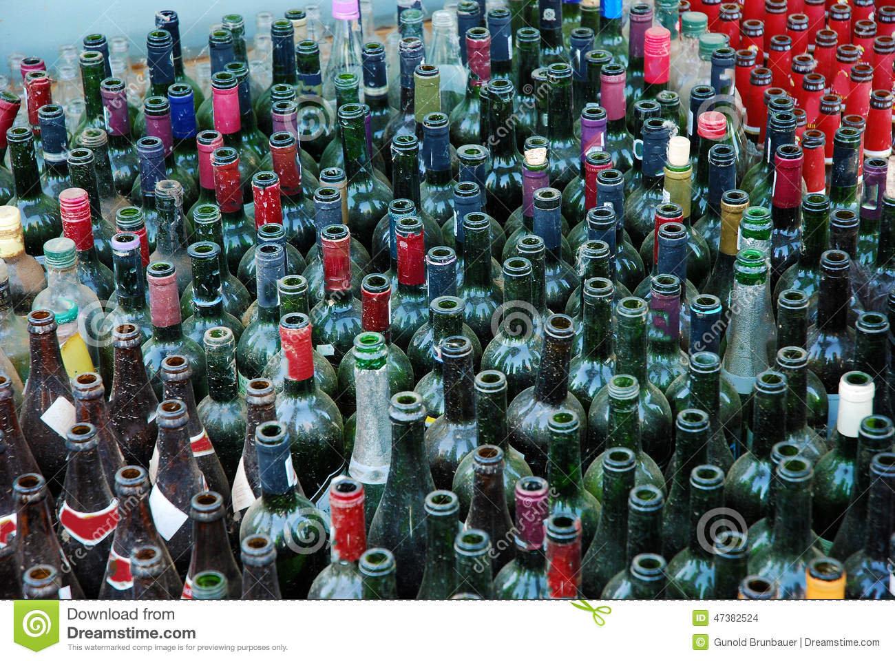 bouteilles-vides-47382524