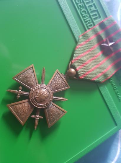Médaille française  200717040832661087