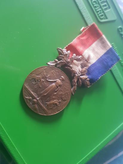 Médaille française  200717040933441459