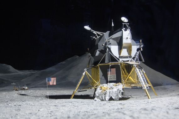 snow-model-vehicle-moon-commander-space-travel-ache-atmosphere-of-earth-apollo-program-apollo-11-moon-landing-neil-armstrong-21-july-1969-lunar-module-eagle-controlled