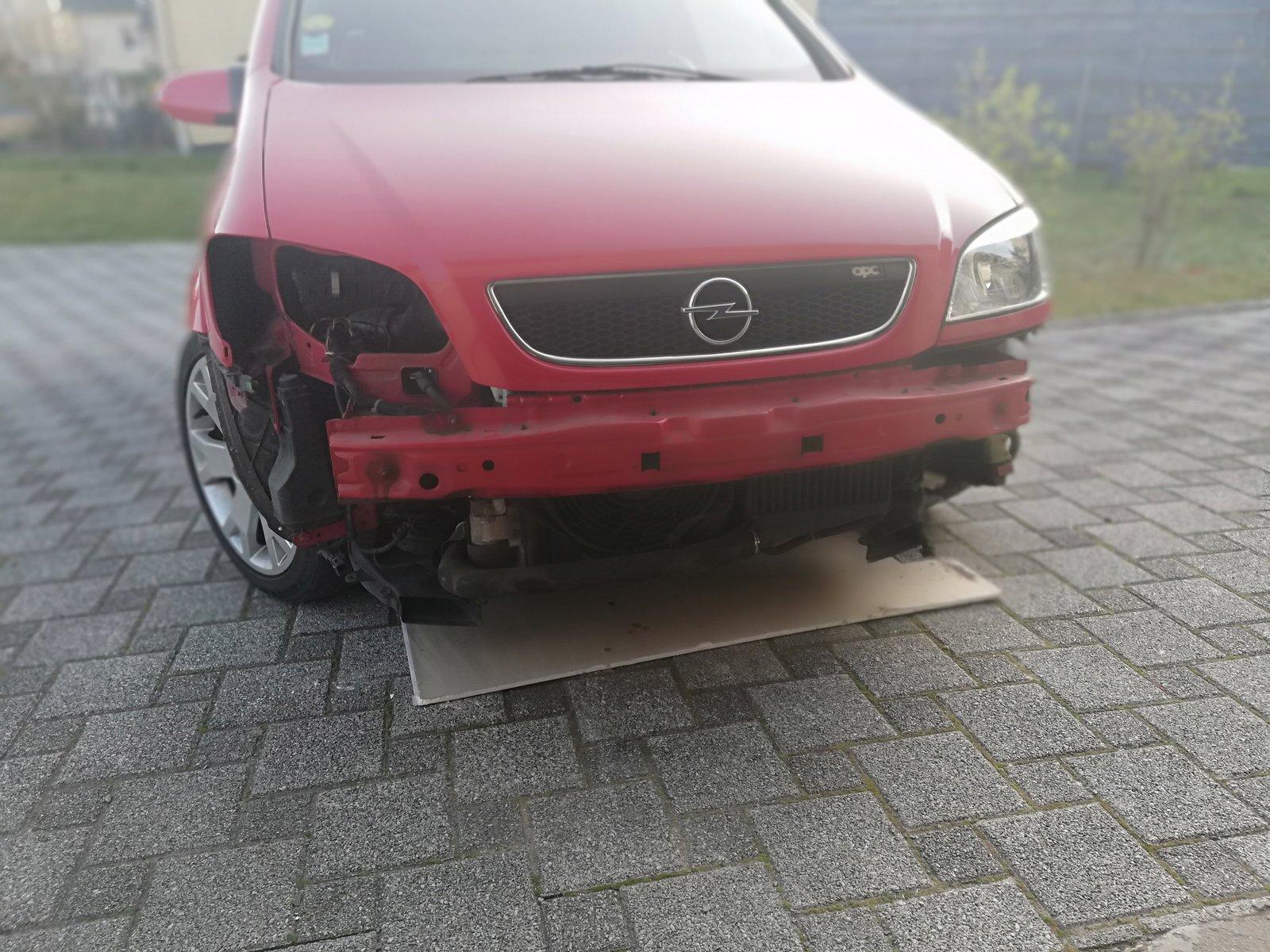 Zafira A OPC rouge 2003 {Opel67} - Page 3 200814112836115605