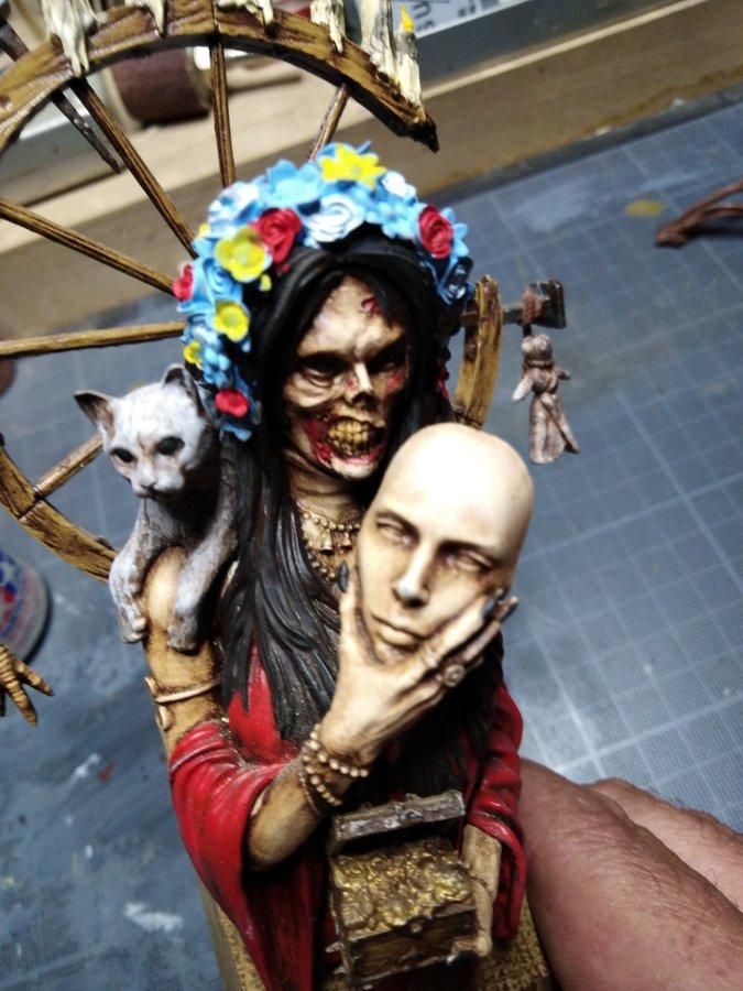 Figurine sorcière maléfique