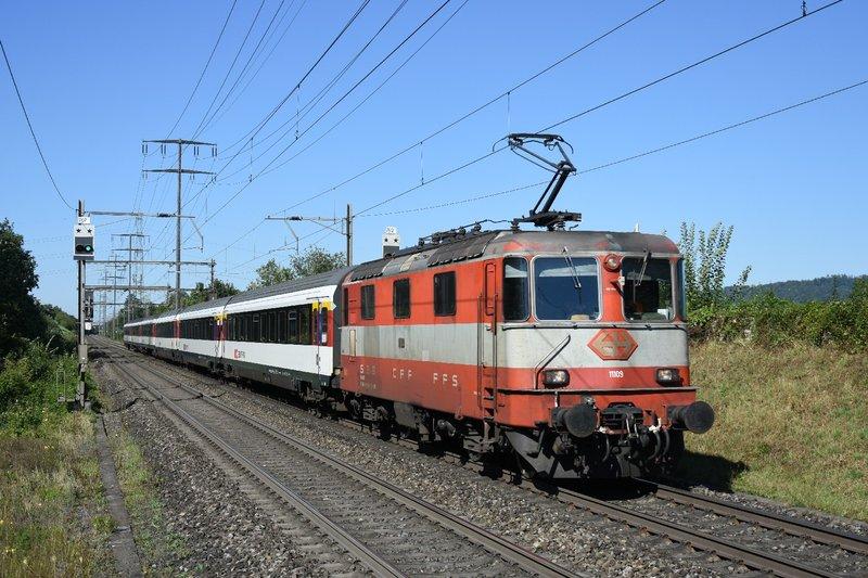 DSC_1839 Re 4_4 II  11109 a Rheinfelden Augarten le 20-08-2020