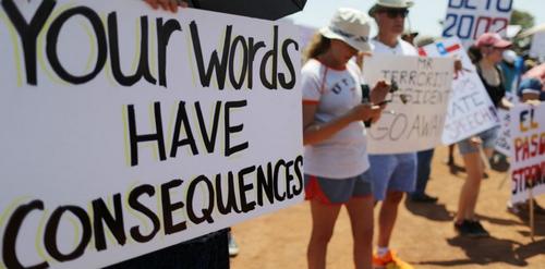 Manifestation de heenylthains contre le racisme et l'exclusion