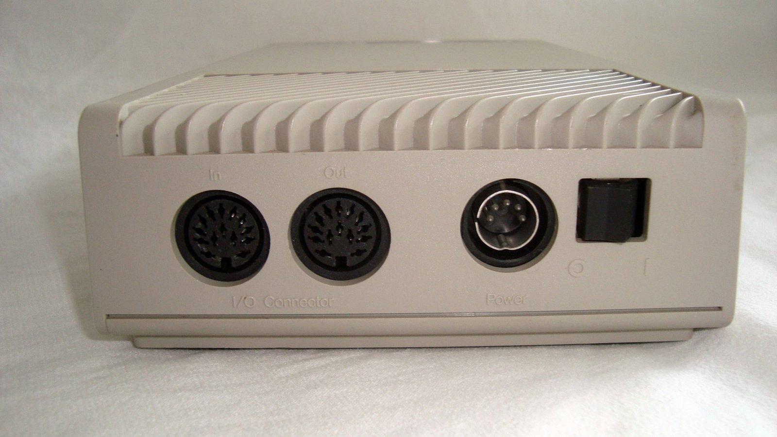 [TEST] Lecteurs disquettes externes SF354/SF314 - Atari ST 201007022332885497