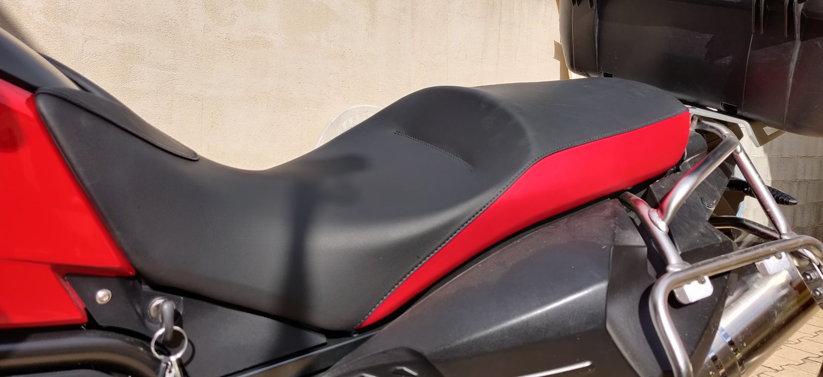 [VENDS] selle F800 GS rouge 201010120030802552