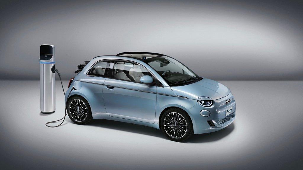 Fiat_500_2021