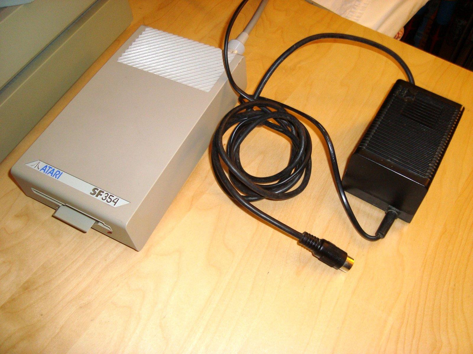 [TEST] Lecteurs disquettes externes SF354/SF314 - Atari ST 201015110421523801