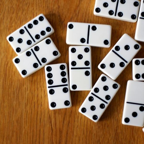 Encore pour les anglophones : comment faire des domino à 90° 201027094532428799