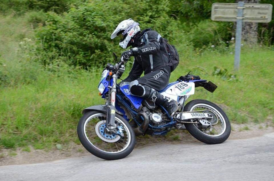 Yamaha WRZ 250 ... - Page 6 201115010308396468