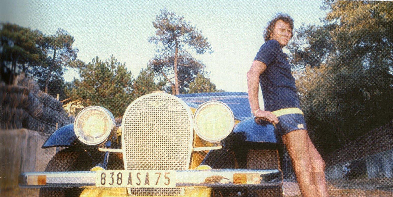 PANTHER DE VILLE DE JOHNNY HALLYDAY ( 1975 ) 201121053643229348