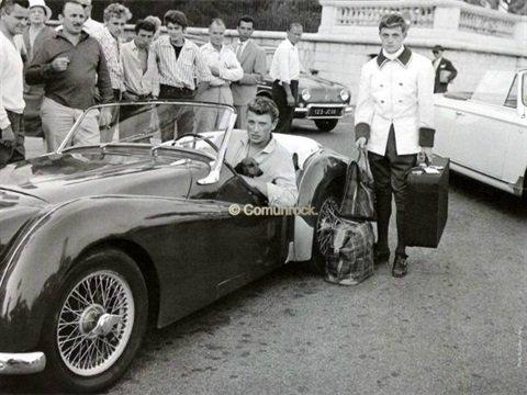 TRIUMPH TR3 DE JOHNNY HALLYDAY ( 1961 ) 201122103012796002