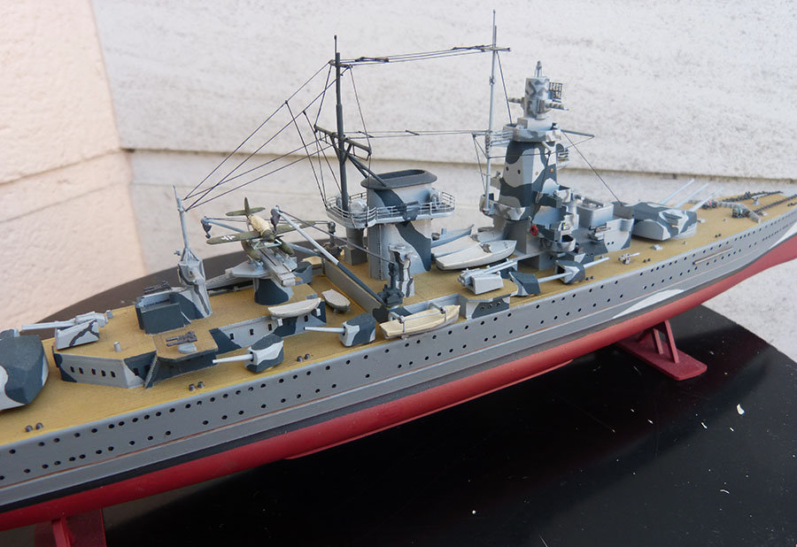 Croiseur lourd ADMIRAL GRAF SPEE Rio de La Plata 1939... Réf 81046 - Page 2 201201114651365757