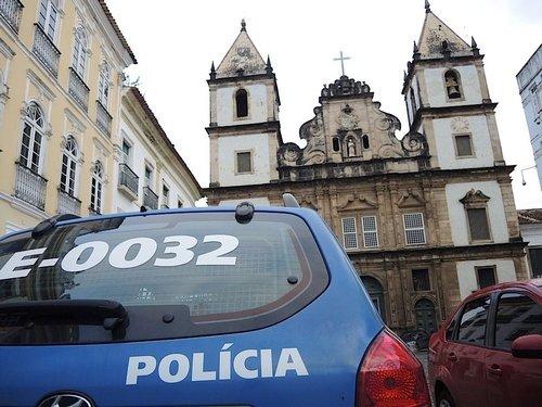 Intervention policière durant la messe