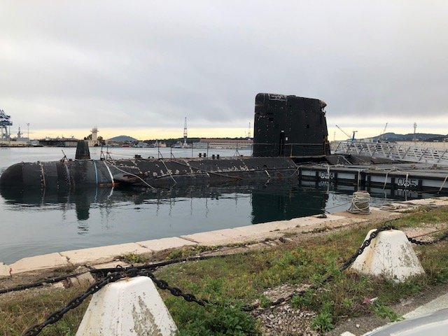 [Autre sujet Marine Nationale] Démantèlement, déconstruction des navires - TOME 2 - Page 10 201205041314315282