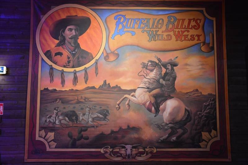 La Légende de Buffalo Bill [Disney Village - 1992-2020] - Page 11 201205094307869941