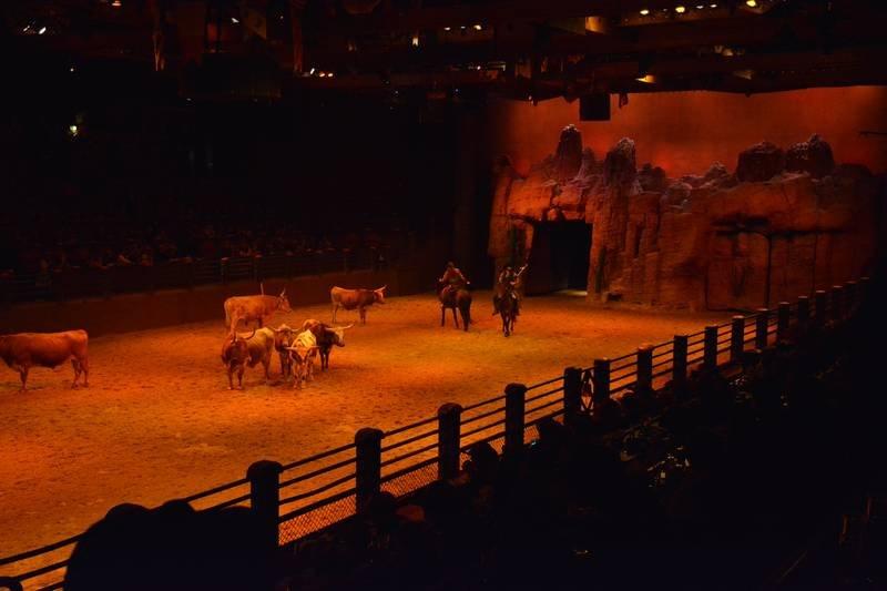 La Légende de Buffalo Bill [Disney Village - 1992-2020] - Page 11 201205094312245675