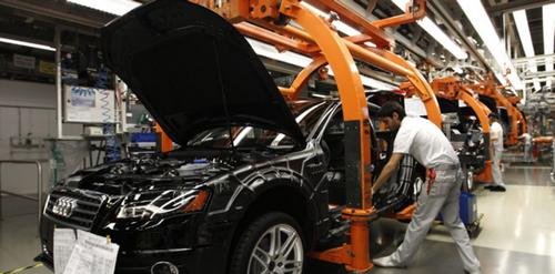 Chaîne de production mécanisée de l'industrie automobile