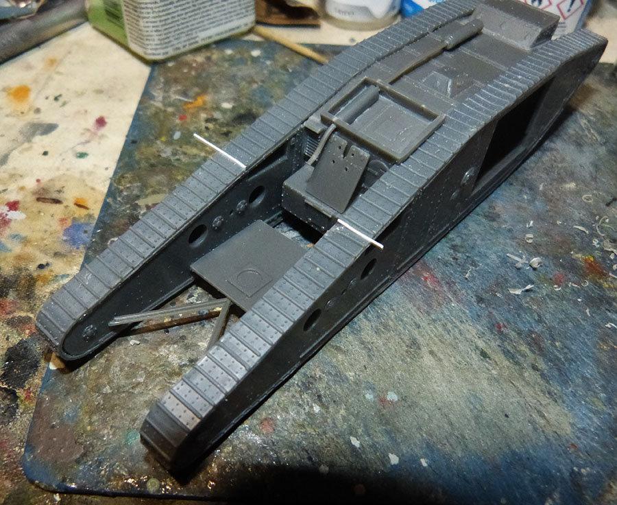 """From the box - Char Mk IV """"Tadpole"""" - Emhar - 1/72 *** Terminé en pg 2 201213073230384319"""
