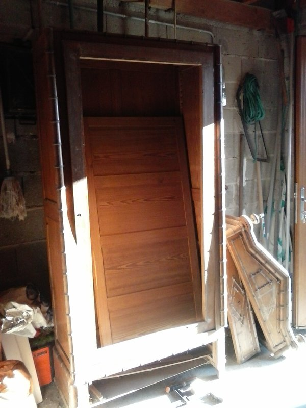 Recyclage vieille armoire à glace 201218123244633460