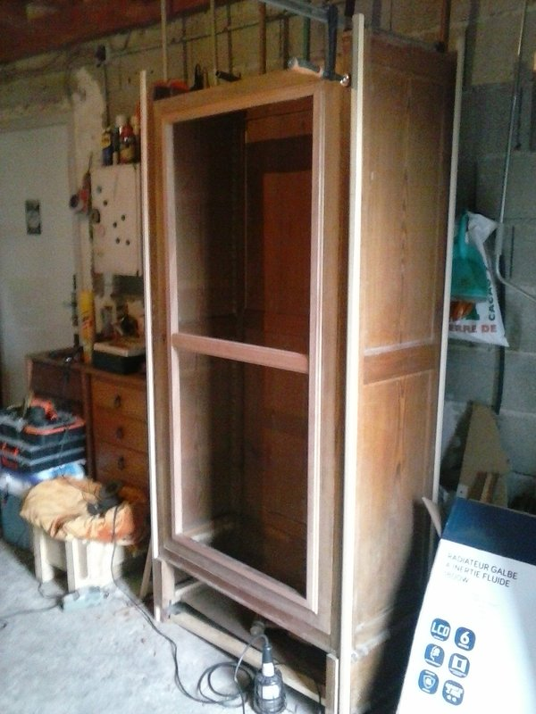 Recyclage vieille armoire à glace 201230124143230235