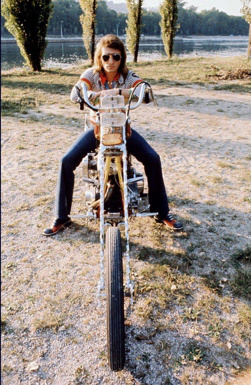 CHOPPER ( MOTEUR HARLEY SHOVELHEAD ) DE JOHNNY HALLYDAY ( 1971 ) 201231094111761445