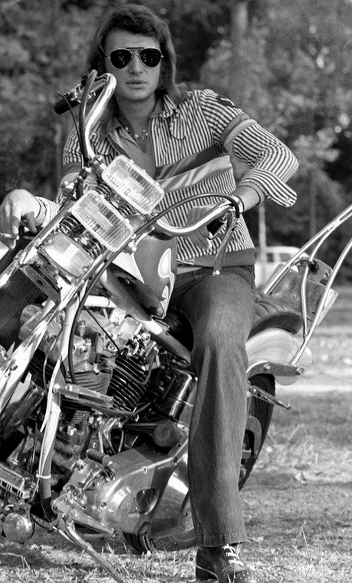 CHOPPER ( MOTEUR HARLEY SHOVELHEAD ) DE JOHNNY HALLYDAY ( 1971 ) 201231094112278470