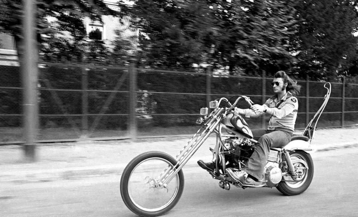 CHOPPER ( MOTEUR HARLEY SHOVELHEAD ) DE JOHNNY HALLYDAY ( 1971 ) 201231094423458466