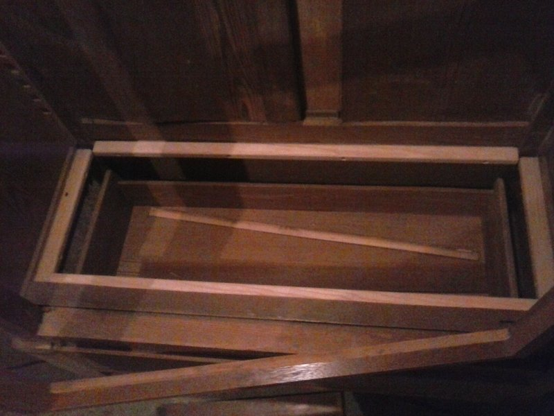 Recyclage vieille armoire à glace 210104054300336836