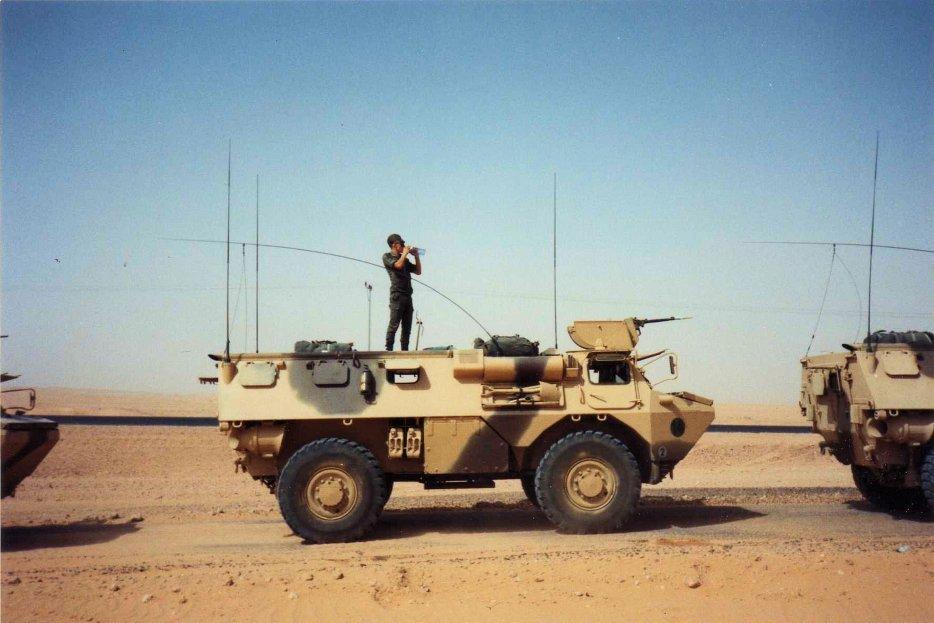 "[HELLER] SAVIEM VAB 4x4 ""Daguet"" en IRAK 1/72ème Réf 79898 210106105948559338"
