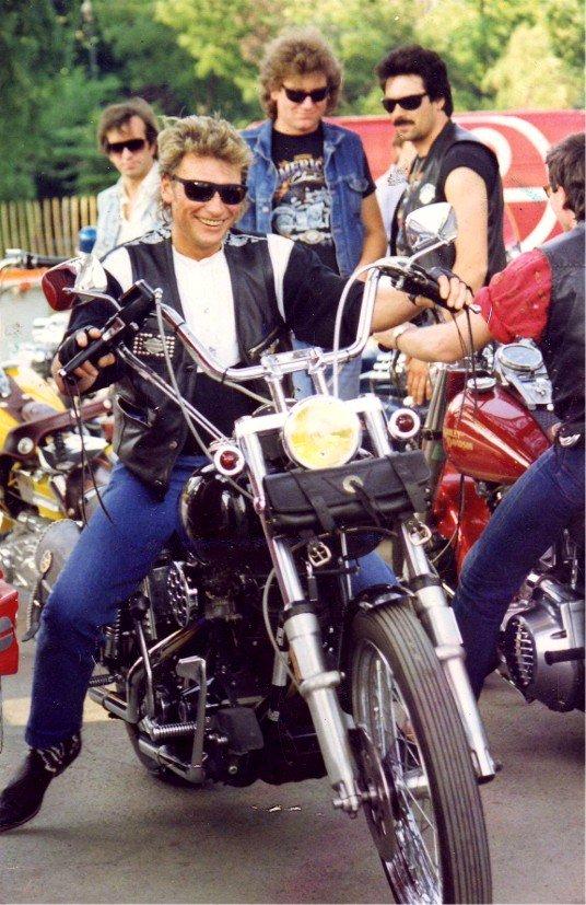 HARLEY-DAVIDSON FXWG WIDE GLIDE 85 DE JOHNNY HALLYDAY ( 1989 ) 210107052832699084