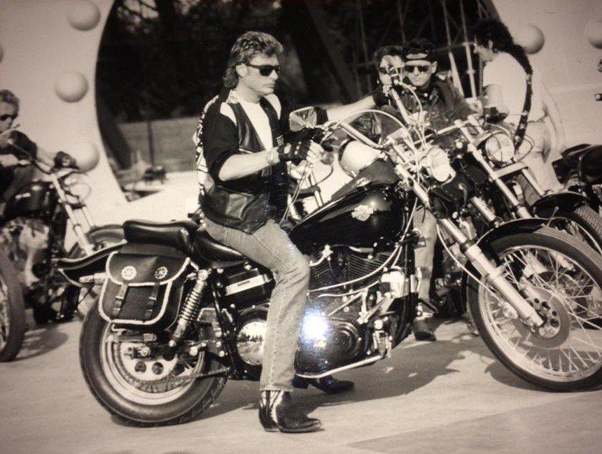 HARLEY-DAVIDSON FXWG WIDE GLIDE 85 DE JOHNNY HALLYDAY ( 1989 ) 210107052840829523