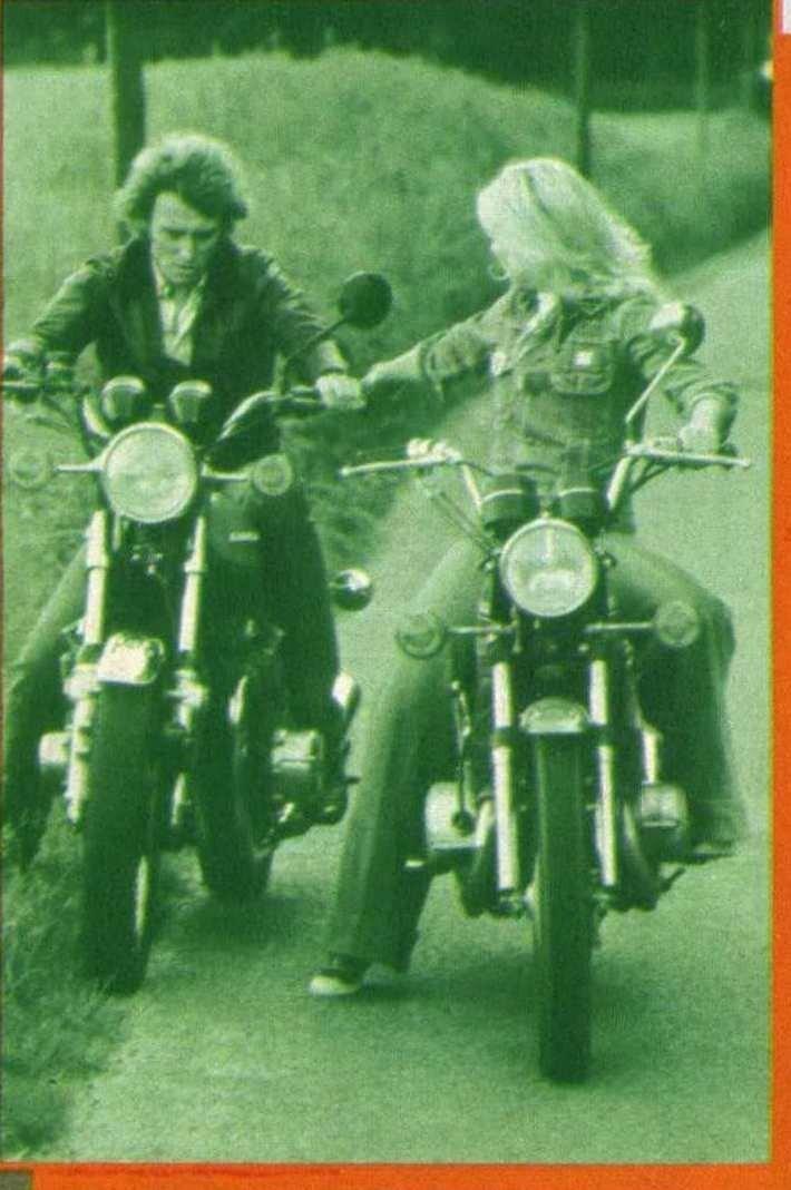 KAWASAKI 900 Z1 DE JOHNNY HALLYDAY ( 1974 ) - Page 2 210112033804323602