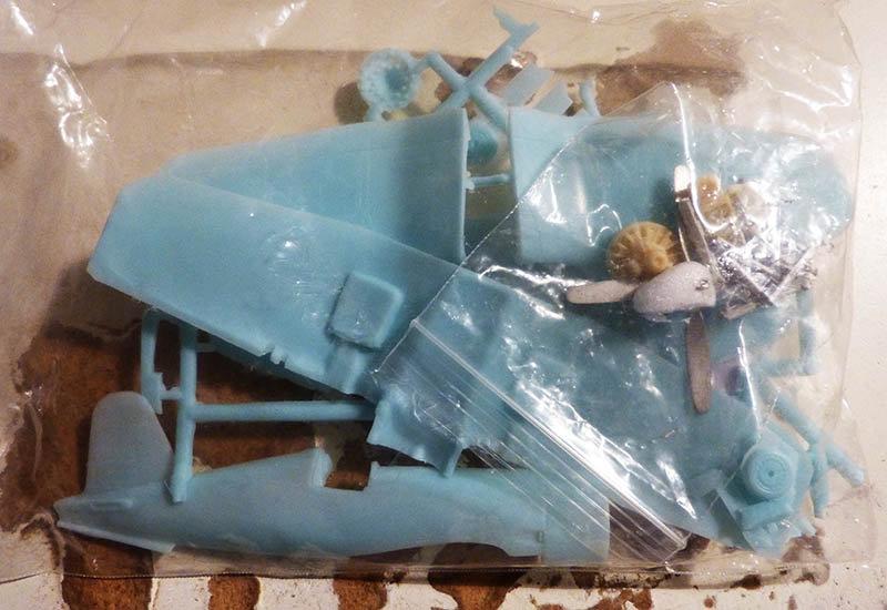 "[High Planes Models] Corsair F4U7 de ""La Royale""- Terminé. 210120115426469219"