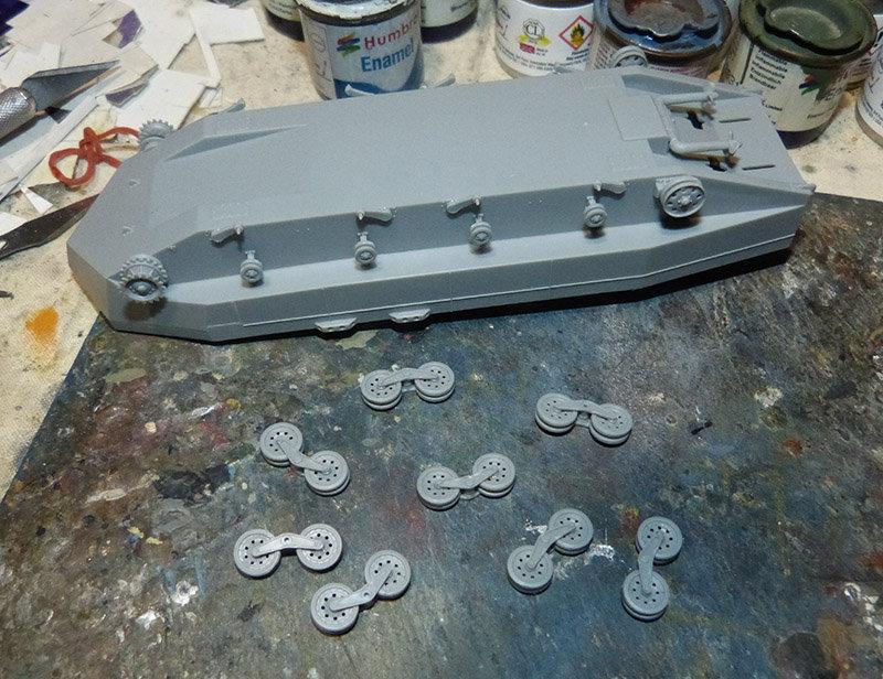From the box - Char amphibie torpilleur japonais type 4 Ka-Tsu - Riich models - 1/72 *** Terminé en pg 2 210131114541138478