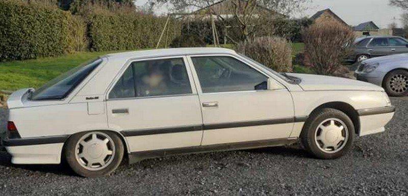 Renault 25 arri?re affaiss?e 2