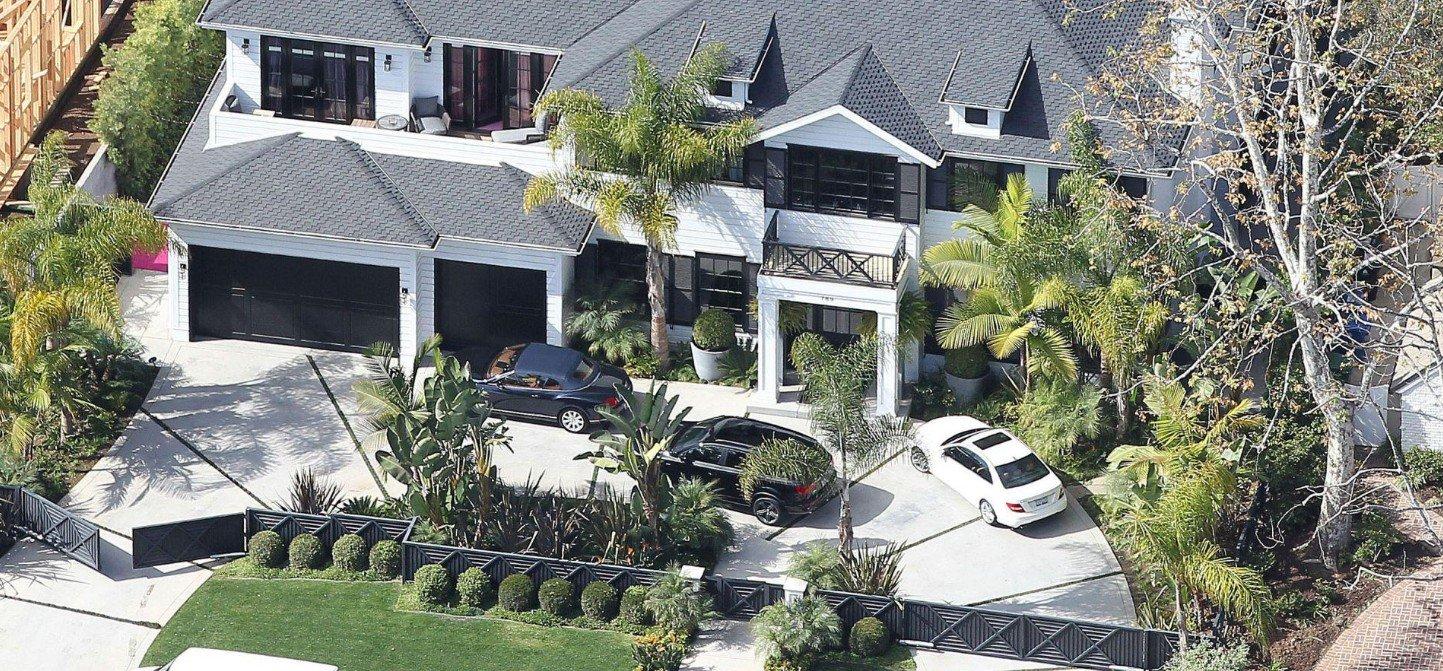 PROPRIETE OU A RESIDE JOHNNY HALLYDAY ( 4/10 ) 'LOS ANGELES' ( 2010-2021 ) 210226012049216522