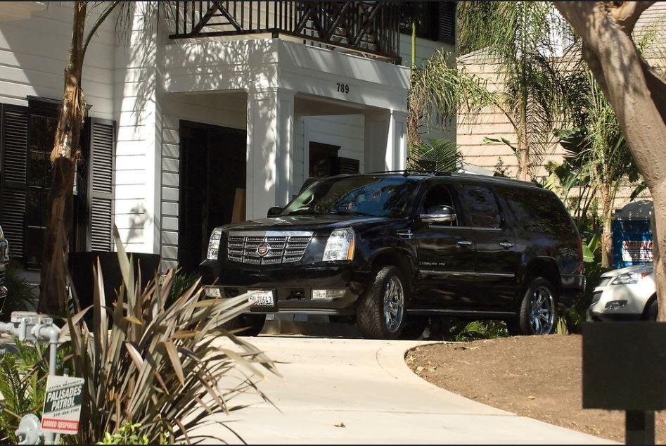 PROPRIETE OU A RESIDE JOHNNY HALLYDAY ( 4/10 ) 'LOS ANGELES' ( 2010-2021 ) - Page 2 210303035213251146