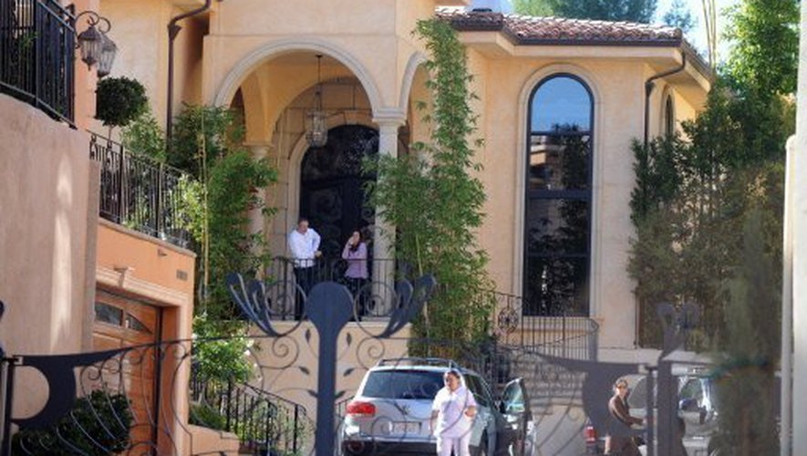 PROPRIETE OU A RESIDE JOHNNY HALLYDAY ( 7/10 ) 'BEVERLY GLEN, LOS ANGELES'( 2007 210305111518494277